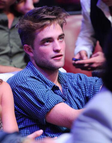 File:Robert Pattinson 145.jpg