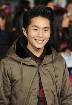Justin Chon Premiere Breaking Dawn hvrJ1OcrXpxl