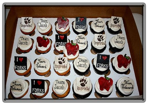File:Twilight Cupcakes.jpg
