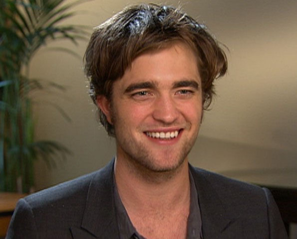 File:Robert Pattinson 500000000.jpg