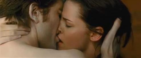File:Kissing-bella-edward.jpg