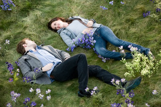 File:557px-Lying on the grass 1525571i.jpg