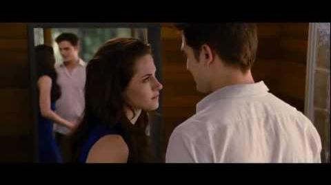 "The Twilight Saga Breaking Dawn Part 2 - ""The Mirror"" Official Movie Clip"