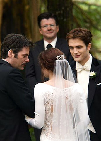 File:Edward and Bella Wedding Album Pix - edited (2).jpg