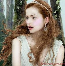 17-year-old-Renesmee-renesmee-carlie-cullen-14614109-404-407