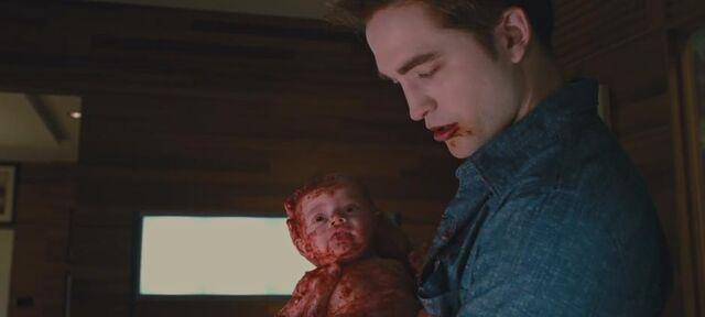 File:BD1- Renesmee Newborn 2.jpg