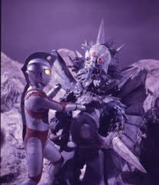 Iceron v Ultraman Ace