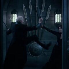 Thomas fighting Semira in <i>Underworld: Blood Wars</i>