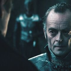 Coloman speaks with Viktor.