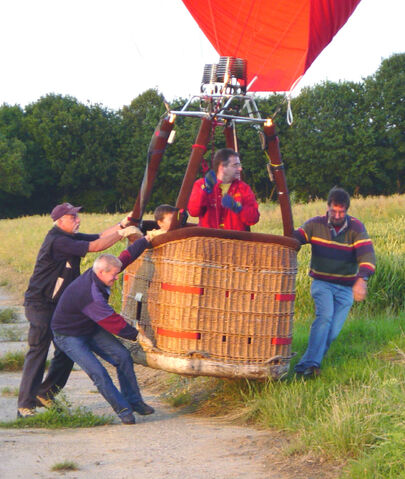 File:Hot air balloon just above the ground.jpg