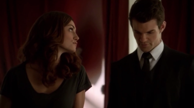File:Hayley and Elijah in 1x1.-..png