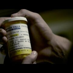 Jeremy takes the whole bottle of pain pills