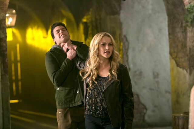 File:The Originals - Episode 1.10 - The Casket Girls - Promotional Photos (11) FULL.jpg