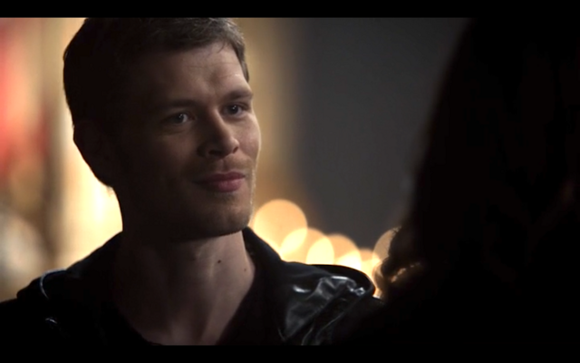 File:1x11-Klaus and Hayley bond 2.png