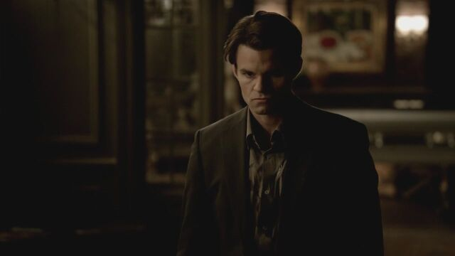 File:The-Vampire-Diaries-3x13-Bringing-Out-the-Dead-HD-Screencaps-elijah-28811446-1280-720.jpg