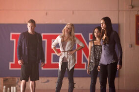 Vampire-Diaries-3x05-The-Reckoning-claire-holt-27335677-2048-1365