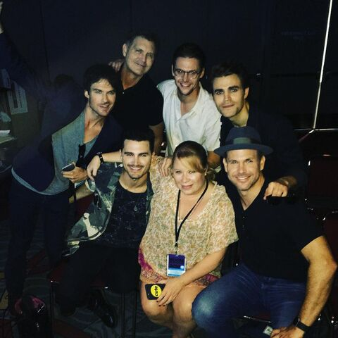 File:2016-07-22 Ian Somerhalder Kevin Williamson Michael Malarkey Zach Roerig Julie Plec Matt Davis Paul Wesley Instagram.jpg