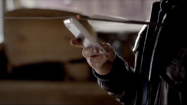 File:Damon-Salvatore-has-the-ATT-HTC-Vivid-on-The-Vampire-Diaries-Season-4-Episode-3-The-Rager.png