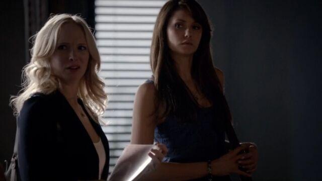 File:Elena and Caroline 3 TVD 5x02.jpg