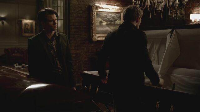 File:The-Vampire-Diaries-3x13-Bringing-Out-the-Dead-HD-Screencaps-elijah-28811736-1280-720.jpg