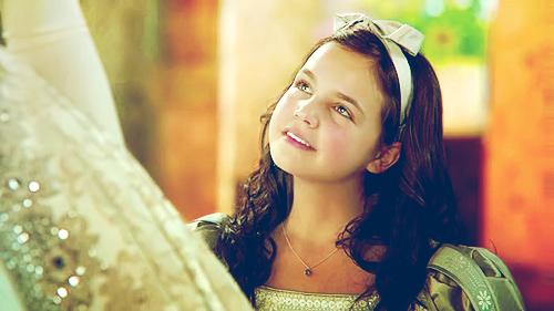 File:Snow White(b).png
