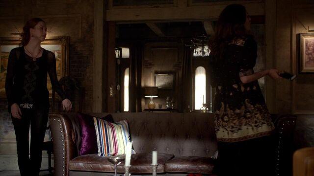 File:The Originals S01E21 mkv0824.jpg