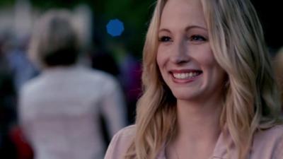 File:Caroline smile 5x1.png