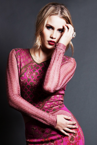 File:Claireholt23456.png