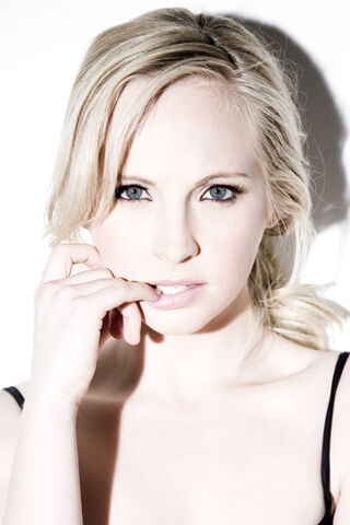 File:Candice-Accola-Photoshoots-the-vampire-diaries-tv-show-11350312-400-600.jpg