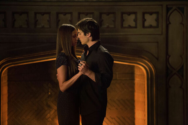 File:Elena and Damon 407.jpg