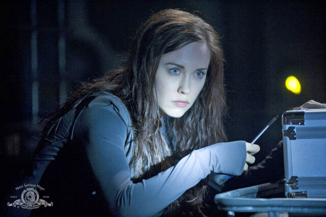 File:Stargate-universe-girls-elyse-levesque-18-dvdbash-wordpress.jpg