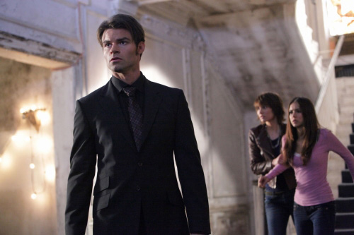 File:The-vampire-diaries-elijah-rose-elena.jpg