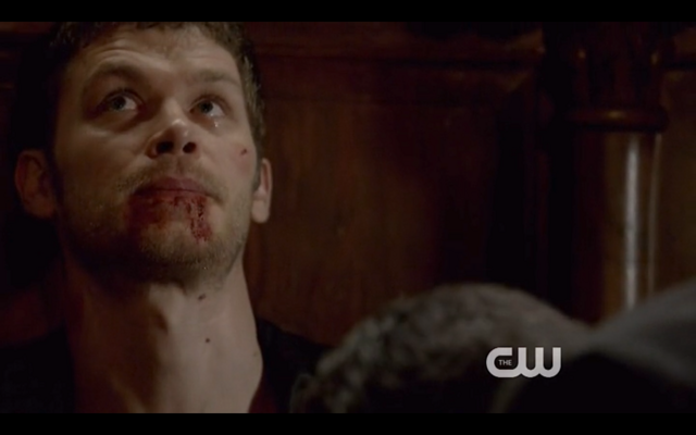 File:1x22-Klaus mourns.png