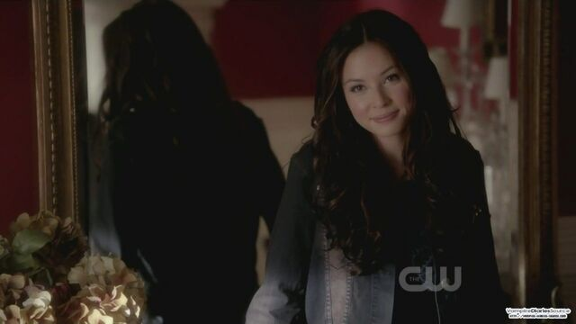 File:936full-the-vampire-diaries-screenshot-Anna.jpg