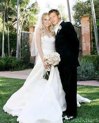 File:The-klaroline-wedding-klaus-and-caroline-31620437-323-400.jpg