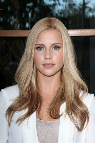File:Claire-Holt-2012-Australians-in-Film-Awards-&-Benefit-Dinner-in-Century-City-018.jpg