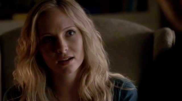 File:Caro talking with Stefan 4x8.png