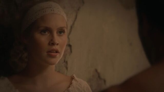 File:Rebekah 17 TO 1x02.jpg