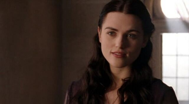 File:La-bella-katie-mcgrath-durante-una-scena-dell-episodio-the-poisoned-chalice-della-serie-tv-merlin-99925.jpg