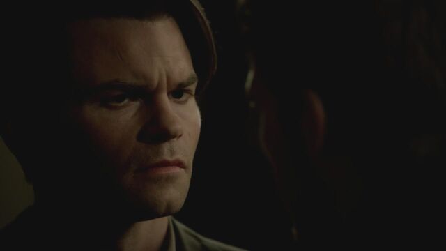 File:The-Vampire-Diaries-3x13-Bringing-Out-the-Dead-HD-Screencaps-elijah-28811477-1280-720.jpg