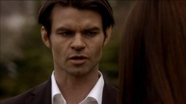 File:Elijah-and-Elena-in-Klaus-2x18-elijah-and-elena-21741570-1921-1080.jpg