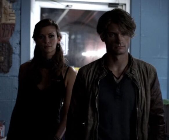 File:Nadia and Gregor TVD 5x02.jpg