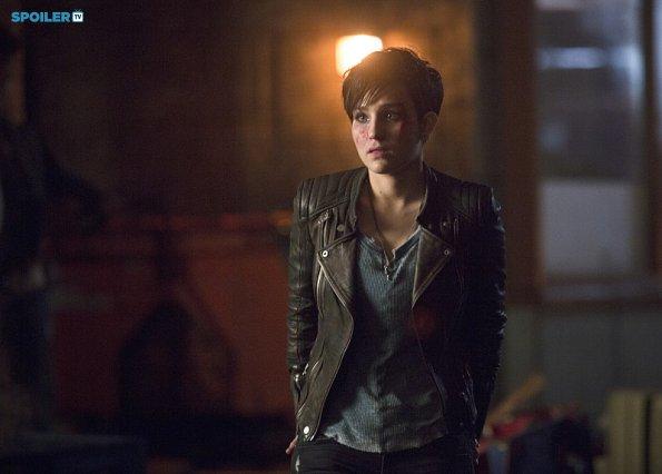 File:Arrow - Episode 3 12 - Uprising - Promotional Photos(g).jpg