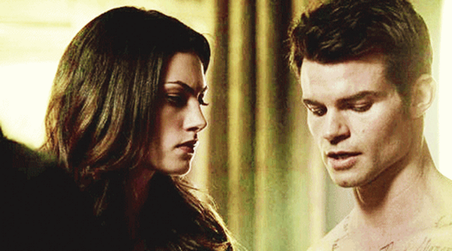 File:Hayley and Elijah 1x14...png