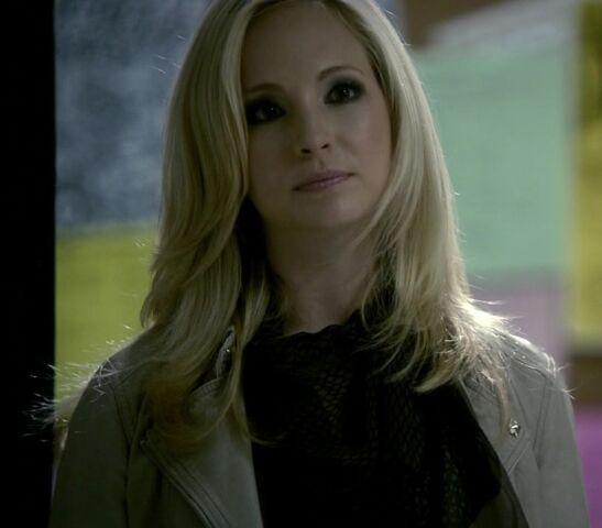 File:2x2 Caroline Brave New World...jpg