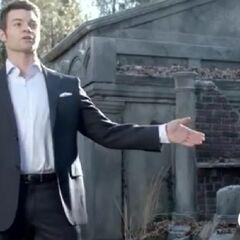 Elijah discusses with Klaus
