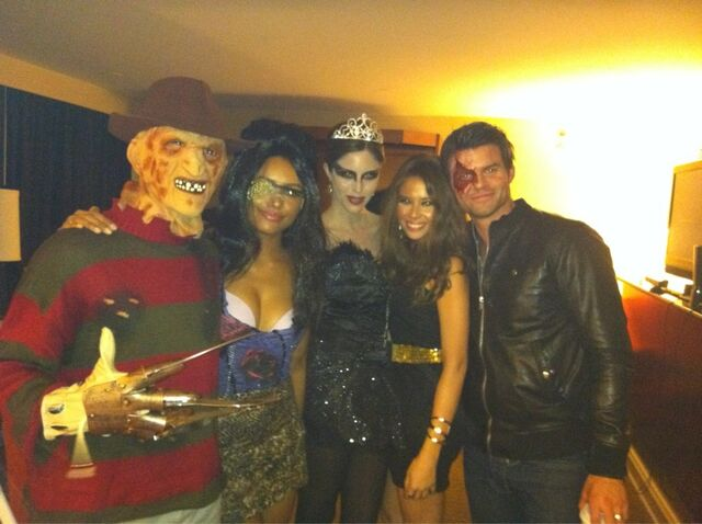 File:Tvdcasthalloween.jpg
