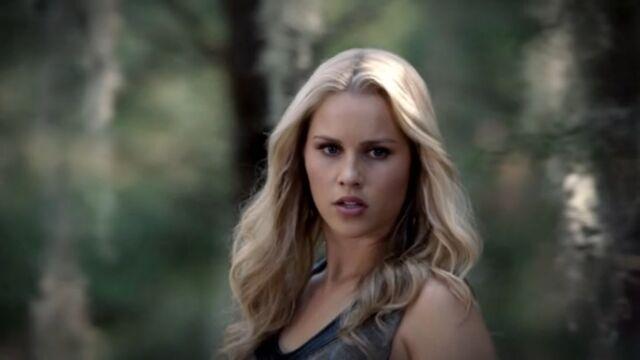 File:Rebekah 4 TO 1x05.jpg