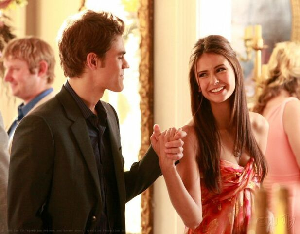 File:Stefan-Elena-stefan-and-elena-8089938-800-622.jpg