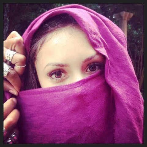 File:Behind the scenes 5x03 Nina Dobrev.png